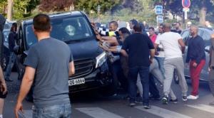 Taxi appelant pacifiquement au respect du droit (crédit photo TheLocal.fr)